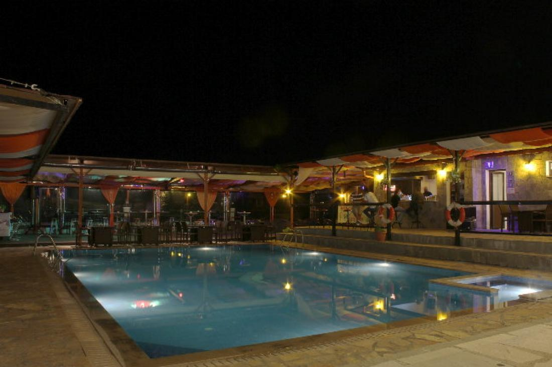 Pool Bar Panorama